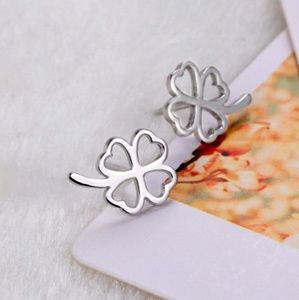 💥3/$33💥 925 Sterling Silver Clover Earrings